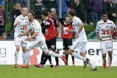 Jakob Jantscher (2. von links,) vom FCL feiert sein Tor zum 0:1. (Bild: Keystone)