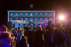 Während 12 Tagen verwandelt sich das Zähringerstädtchen Murten in ein Lichtspektakel. (Bild: Keystone / Cyril Zingaro)
