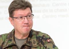 Aldo C. Schellenberg, Kommandant der Luftwaffe an der Medienkonferenz am Unglückstag (29. August). (Bild: LUKAS LEHMANN)