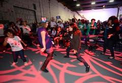 Barack Obamas Wiederwahl bringt seine Anhänger zum Tanzen. (Bild: Keystone)