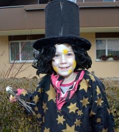 Ein hübscher Zauberer samt Stab am Kinderumzug. (Bild: Romano Cuonz)