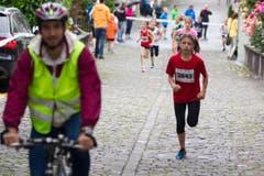 Hellebardenlauf Sempach Mia Emmengger (Nottwil) gewinnt die Klasse U12. (Bild: Beat Blättler)