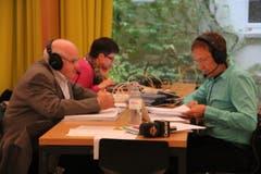 Pascal Weber (rechts) und Toni Dettling von Radio Central auf Sendung. (Bild: Geri Holdener)