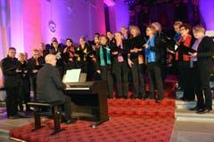 Der Kernser Singkreis unter der Leitung von Martin Odermatt. (Bild: Romano Cuonz / Neue NZ)