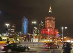 … Der Kulturpalast in Warschau, … (Bild: AP Photo / Czarek Sokolowski)
