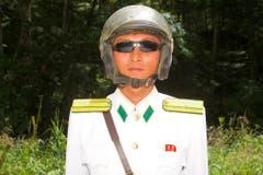 Ein nordkoreanischer Polizist posiert für die Kamera. (Bild: Martin von den Driesch)