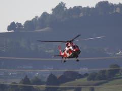 Im Einsatz standen zwei Rettungshelikopter der Rega. (Bild: Geri Holdener)