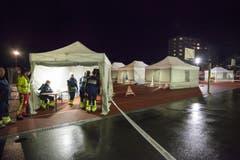 Darum wurde auf dem Sportplatz eine mobile Sanitätshilfestelle aufgebaut. (Bild: Edi Ettlin)