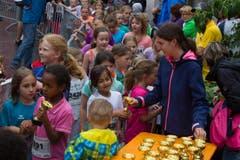 Hellebardenlauf Sempach Jeder Läufer in deer Jungendklasse bekam ein kleiner Pokal. (Bild: Beat Blättler)