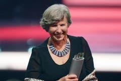 Katrin Hagen, Chirurgin, gewinnt einen Award in der Kategorie Gesellschaft. (Bild: Keystone / Walter Bieri)