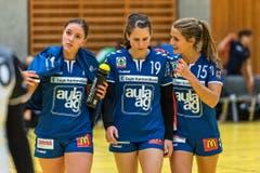 Pausengespräch zwischen Svenja Stutz, Laura Masset und Nina van Polanen (v.l.n.r.). (Bild: Christian H.Hildebrand / ZZ)