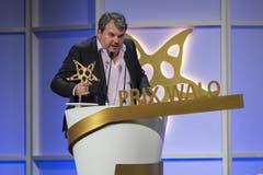 Der Gewinner der Sparte Bester Schauspieler, Mike Müller, ist als Titelfigur der SFR-Serie «Der Bestatter» auch am Prix Walo für die beste TV-Produktion beteiligt. Er gewann somit zweimal. (Bild: Keystone)