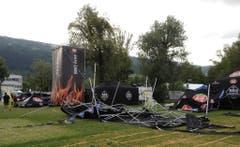 Die Sturmböen fegten offenbar um etwa 18 Uhr über das Festgelände des Eidgenössischen Turnfests. (Bild: Leser André Rochat)