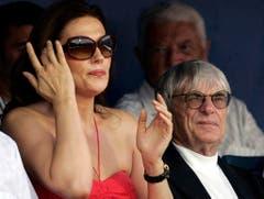 Formel-1-Boss Bernie Ecclestone war bis am 11. März 2009 mit dem kroatischen Model Slavica verheiratet. Er zahlte ihr bei der Scheidung 1,2 Milliarden Dollar - Platz 3 bei den teuersten Scheidungen. (Bild: Keystone)