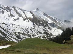 Der Sommer lässt auf sich warten. Winterliche Landschaft auf der Klewenalp. (Bild: Leserin Martina Odermatt)