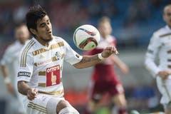 Der Luzerner Dario Lezcano spielt den Ball. (Bild: Keystone)