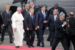 Papst Franziskus am Flughafen Havannas. (Bild: Keystone)