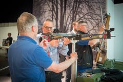 Wer landet beim Armbrustschützenverein Goldach einen Volltreffer? (Bild: Benjamin Manser)