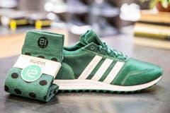 Sportliches Grün: Adidas-Turnschuh Los Angeles und Socken Wams, beides erhältlich bei Männerwerk. (Bild: Mareycke Frehner)