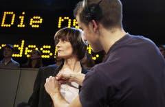 Der erste Auftritt als Bundesrätin in der TV-Arena. (Bild: Keystone)