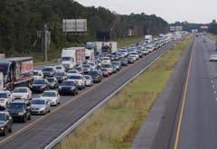 Einwohner von Florida flüchten in Richtung Norden, um sich vor dem Tropensturm Irma in Sicherheit zu bringen. (Bild: Keystone)