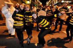 Summ, summ, summ - auch die Bienen geistern in der Stadt herum. (Bild: Reto Martin)