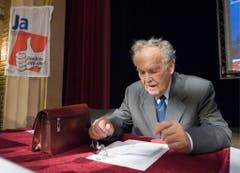 """Altbundesrat Otto Stich unterstützt an der Nationalen Rentner und Rentnerinnentagung das """"Ja fuer ein flexibles AHV-Alter"""" (2008). (Bild: Keystone)"""