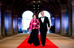 Der niederländische Wirtschaftsminister Henk Kamp und seine Ehefrau. (Bild: Keystone)