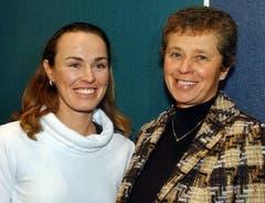 2005 gibt Martina Hingis, hier mit Mutter und Coach Melanie Molitor, bekannt, dass sie sie in den Tenniszirkus zurückkehren wird. (Bild: Keystone)