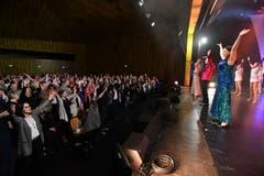 Das Publikum im Pentorama wird zum Mitmachen animiert. (Bild: Manuel Nagel)