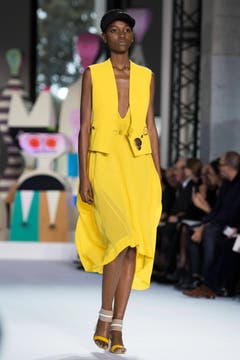 Akris - Runway - Paris Fashion Week Ready to Wear S/S 2018 (Bild: Caroline Blumberg)