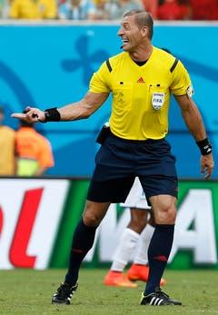 Der argenitinische Schiedsrichter Nestor Pitana leitete die Partie. (Bild: Keystone)