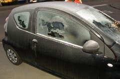 Auch der Lenker dieses Wagens wurde wegen Guckloch-Fahrens aus dem Verkehr gezogen. (Bild: Stapo SG)
