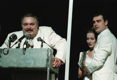 """Mathias Gnädinger als Boss Tom Finley in Tennessee Williams' Stück """"Sweet Bird of Youth"""". (Bild von Januar 1998) (Bild: Keystone)"""
