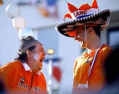 Zwei holländische Fans freuen sich 2006 auf das WM-Spiel zwischen Holland und Argentinien in Deutschland. (Bild: Keystone)