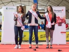 Top drei: Tiziana Castauro, Lea Rutishauser und Marion Weibel bei der Wahl. (Bild: Hanspeter Schhiess)