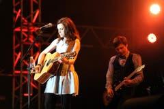Die Frau mit der Gitarre: Amy MacDonald aus Schottland. (Bild: Stefan Beusch)