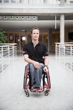 Marcel Hug im Paraplegiker-Zentrum in Nottwil. (Bild: Manuela Jans- Koch (LZ) (Luzerner Zeitung))