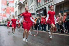 """Mädchen der Gruppe """"Rope Skipping - Faszination für Zuschauer und Aktive"""" der Turnvereine Fides Niedergösgen. (Bild: Keystone)"""