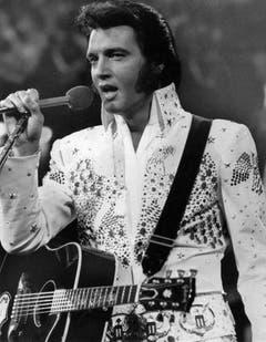 Elvis Presley auf der Bühne (undatiertes Archivbild). (Bild: Keystone)