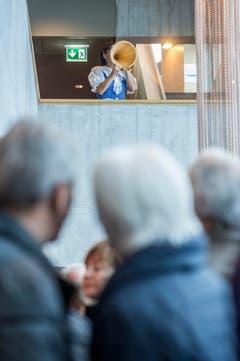 Sonja Lieberherr-Schnyder spricht einen Betruf zur Eröffnung des neuen Berggasthauses (Bild: Urs Bucher)
