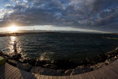 Sonnenuntergang am Genfersee. (Bild: SALVATORE DI NOLFI (KEYSTONE))