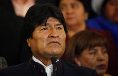 Boliviens Präsident Evo Morales kündigt in einer Pressekonferenz auch für sein Land eine Staatstrauer an. (Bild: Keystone)