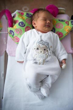Ylenia, 08.12.2010, 50 cm, 3720 g (Spital Heiden) (Bild: Benjamin Manser)