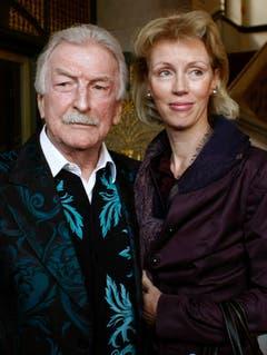Bandleader James Last und seine Ehefrau Christine posieren am 15. April 2009 im Rathaus in Bremen. (Bild: Keystone)