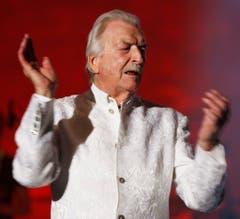 Bandleader und Komponist James Last begeistert das Publikum am 13. Mai 2009 im Zürcher Hallenstadion. (Bild: Keystone)