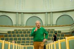 Alles bestens: Pepe Lienhard prüft die Tonqualität in der Tonhalle. (Bild: Urs Bucher)