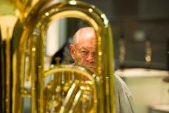 Der Musiker und sein Instrument. (Bild: Michel Canonica)