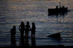 Abendstimmung am Walensee. (Bild: GIAN EHRENZELLER (KEYSTONE))