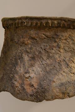 Ein Jungsteinzeitlicher Topf mit Fingertupfenleiste. (Bild: pd)